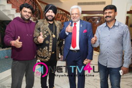 singer daler mehndi   shalabh kumar joined to produce kannada film check pressmeet stills 16