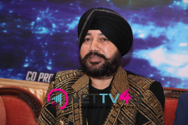 singer daler mehndi   shalabh kumar joined to produce kannada film check pressmeet stills 5