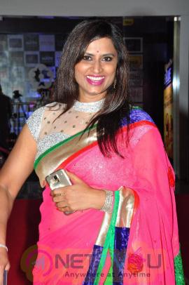 singer kousalya stills at mirchi music awards 2014 red carpet images