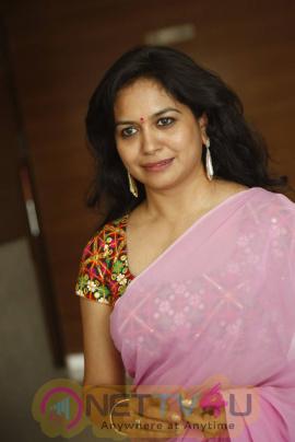 singer sunitha stills at mirchi music awards south 2014 press meet