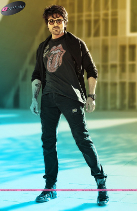 stylish actor ram charan latest photos