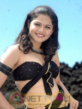 Tamil Actress Anuya Bhagvath Latest Beauteous Photos Tamil Gallery