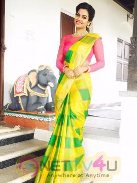 Tamil Actress Leesha High Quality Photos