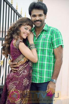 Tamil Movie MelNattu Marumagan Lovely Pics
