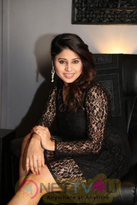 Telugu Actress Hamida Beautiful Pics Telugu Gallery