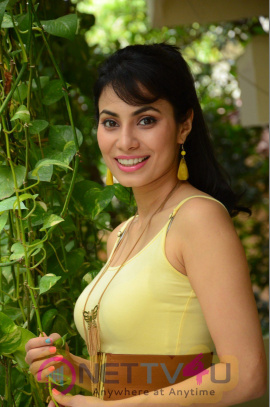 Telugu Actress Manisha Kelkar Latest New Stills