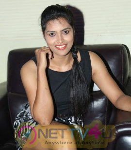 Telugu Actress Sravanthi Latest Pictures