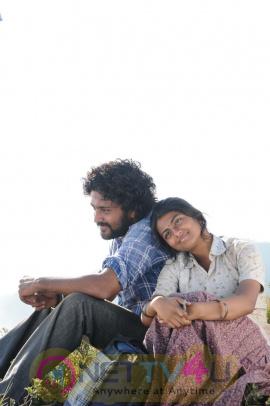 Telugu Movie Tholipremalo New Look Movie Stills