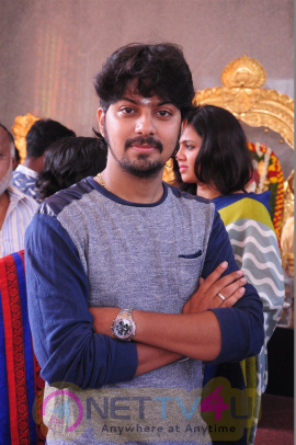 Thittam Poattu Thirudura Kootam Pooja Stills