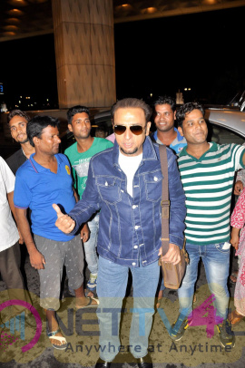 Tiger Shroff & Vivek Oberoi & Many Celebs Spotted At Airport Exclusive Photos Hindi Gallery