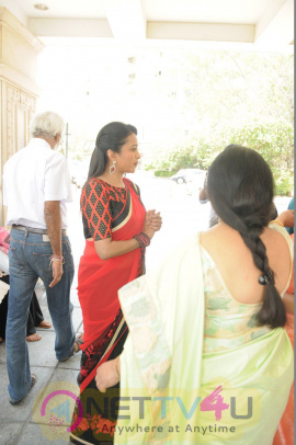 Trendz Designer Exhibition Launch By Mannara Chopra