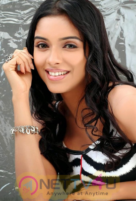 Tamil Actress Asin Latest Glamour Photos Tamil Gallery