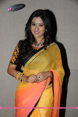 tamil actress manali rathod latest photoshoot in saree