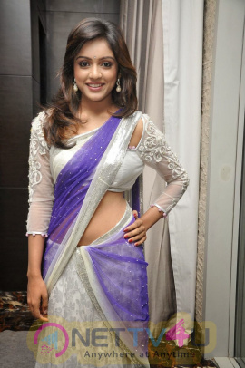 Tamil Actress Vithika Sheru Latest Exclusive Photos