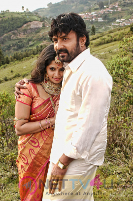 Tamil Movie Avan Aval Exclusive Stills