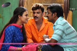 tamil movie kadikara manithargal movie stills and posters
