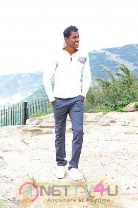tamil movie moondram ulaga por images 5