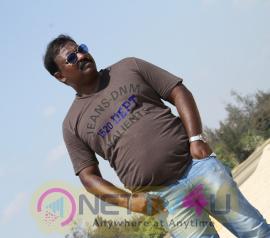 tamil movie peigal jaakirathai stills
