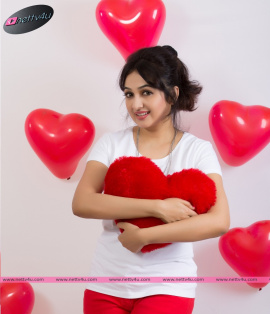 telugu actress aavaana valentine day special photos