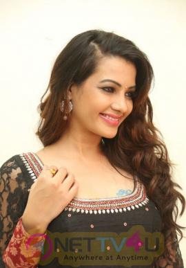 telugu actress diksha panth photos