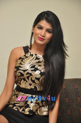 Telugu Actress Isha Agarwal Hot Photo Gallery Stills