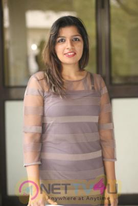 Telugu Actress Loukya New Photo Gallery
