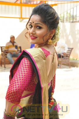 Telugu Actress Madhavi Latha Latest Stills Telugu Gallery
