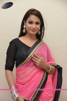 Telugu Actress Sonali Stylish Photos First Look