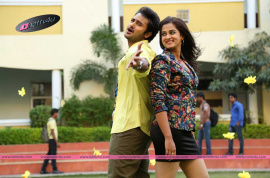 telugu romantic movie krishnamma kalipindi iddarininmovie stills