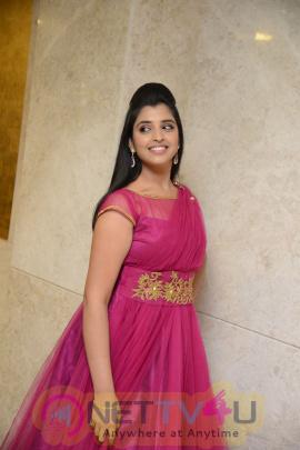 telugu tv serial and anchor shyamala latest hd new stills