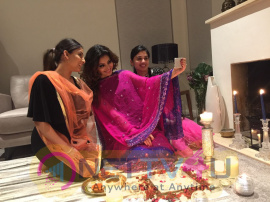 Urvashi Rautela's DIWALI 2016 Celebration Images Hindi Gallery
