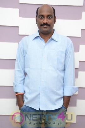 Unda Leda Telugu Movie Press Meet Photos Telugu Gallery