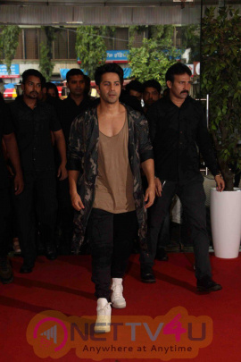 Varun Dhawan & Raftaar At Interact With Student For Film Dishoom Exclusive Photos