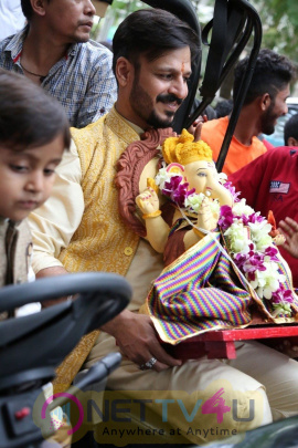 Vivek Oberoi Ganpati Visarjan With Family Gorgeous Photos Hindi Gallery
