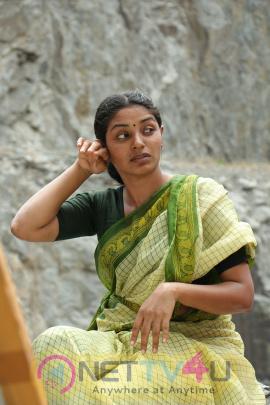 Yendru Thaniyum Tamil Movie Exclusive Stills