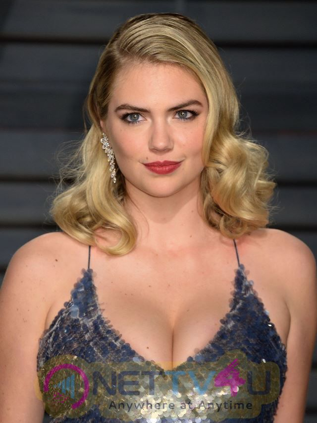 Kate Upton Hot At Vanity Fair Oscar 2017 Party In Los Angeles