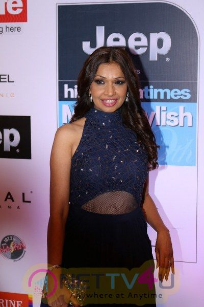 Red Carpet Of Most Stylish Awards 2017 Stunning Photos