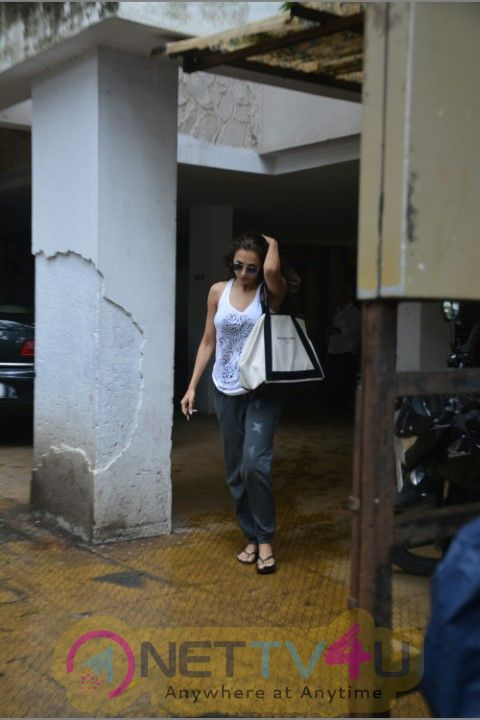 Malaika Arora Wen To Bandra  Hindi Gallery