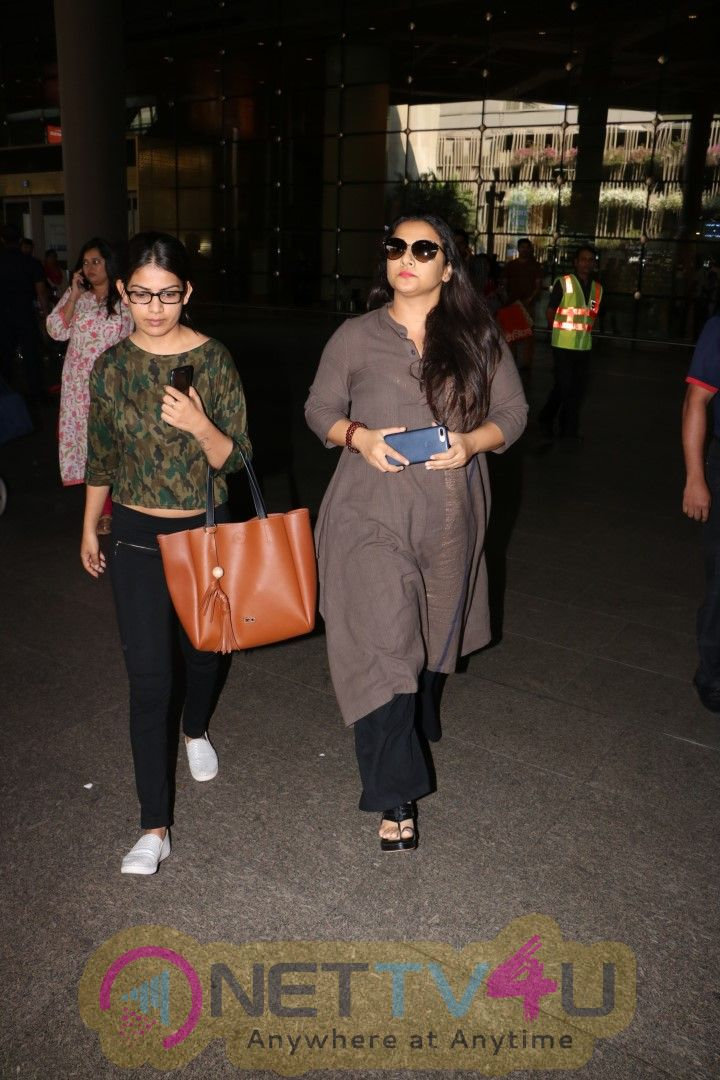Actress Vidya Balan Spotted At Airport Images