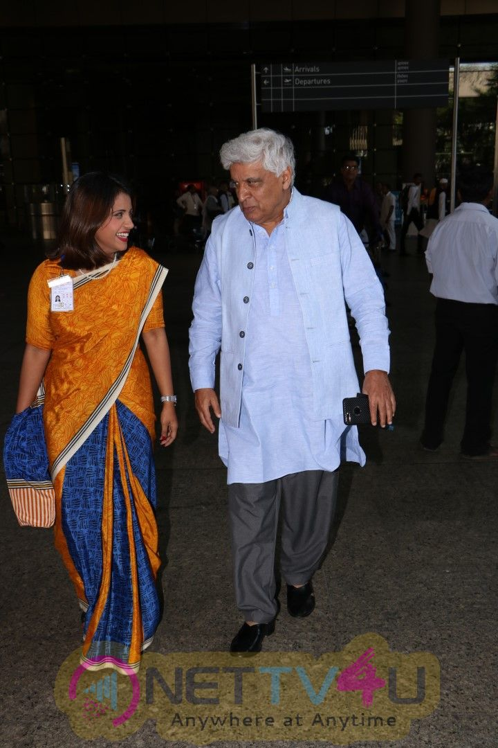 Javed Akhtar Spotted At Airport Pics