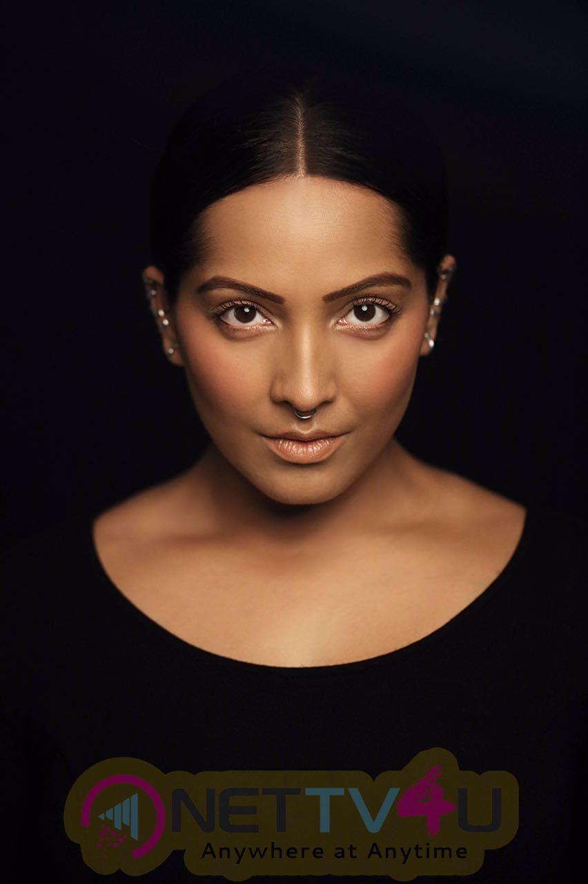 Actress Meghna Naidu Hot Images