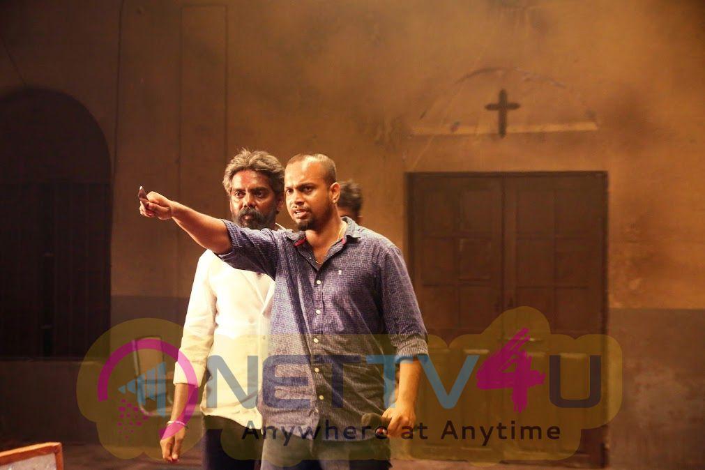 Balloon Tamil Movie Photos And Working Stills