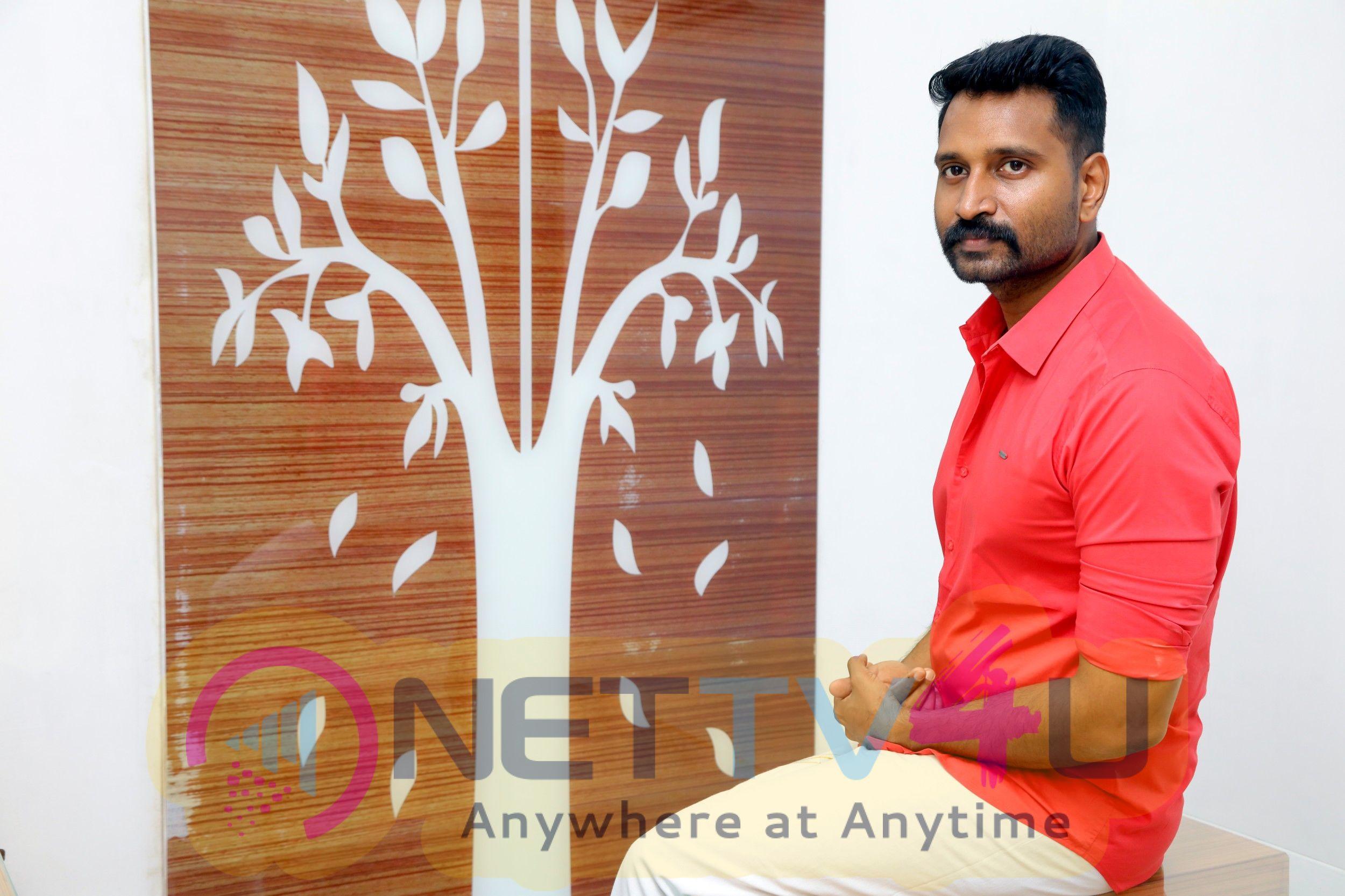 Actor Jaivanth Handsome Stills Tamil Gallery