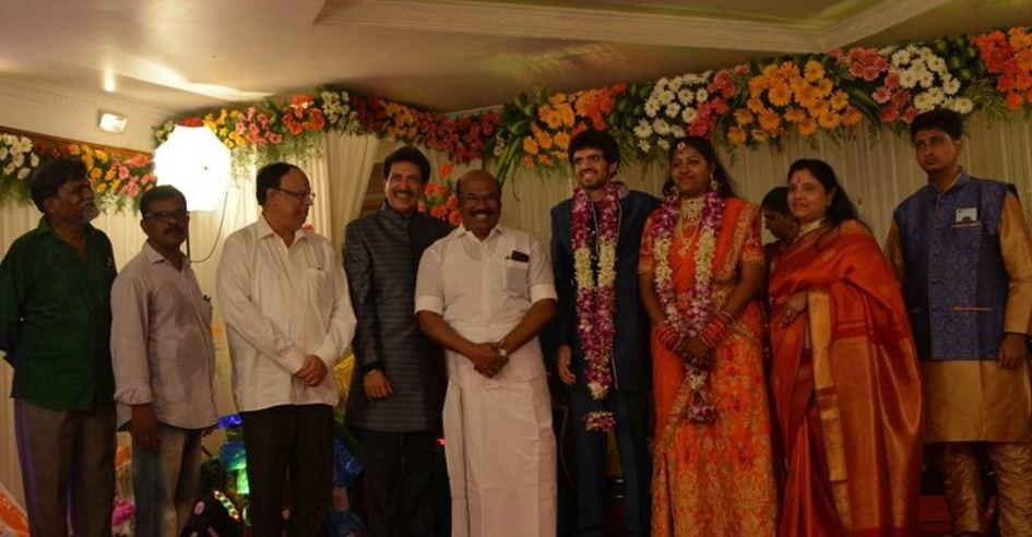 Minister Jayakumar At Nizhalgal Ravi's Family F..