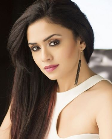 Amruta Khanvilkar Hindi Actress