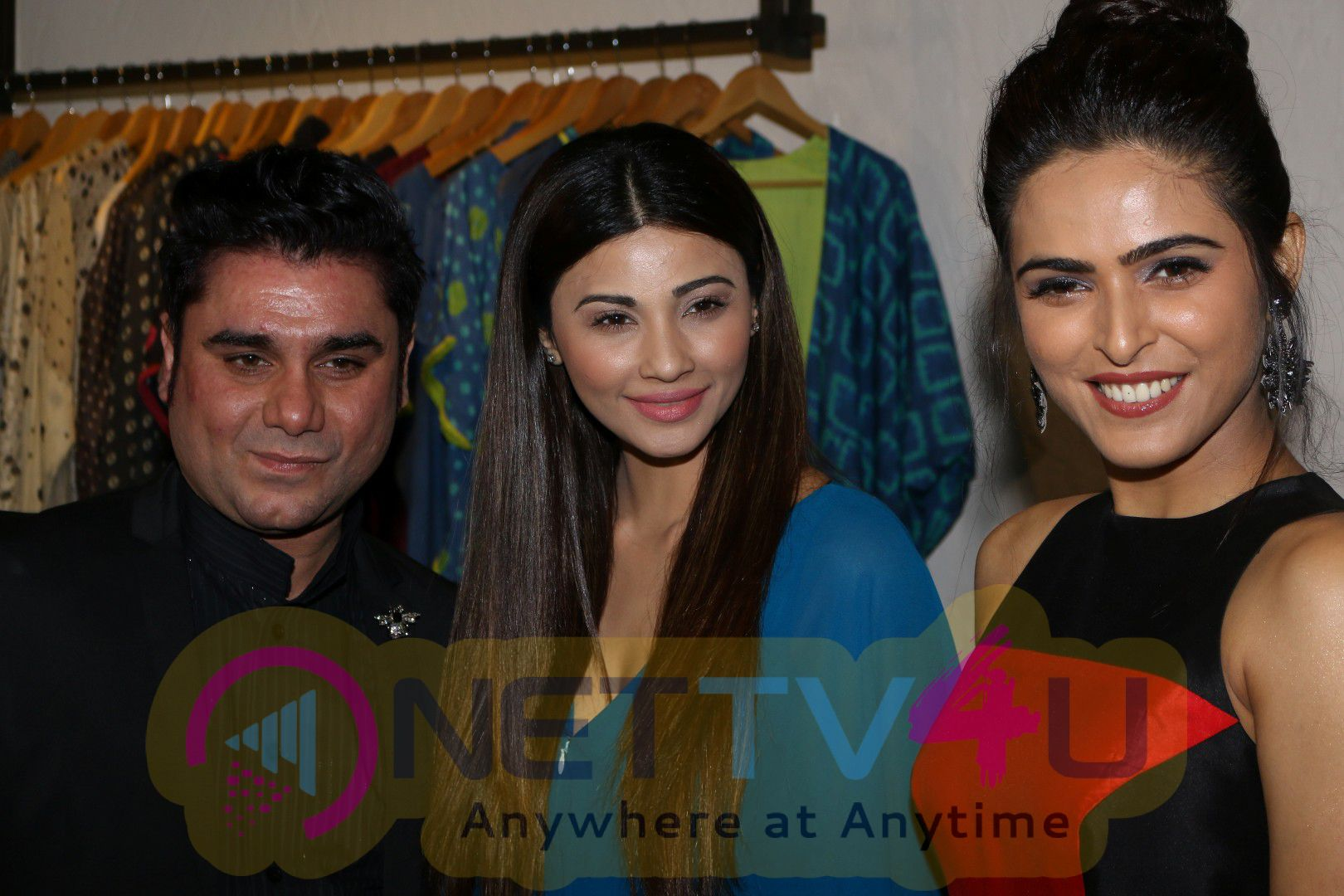 Exclusive Preview Of Designer Rajat Tangri & Deepa Gurnani Collection With Daisy Shah & Shriya Saran Pics Hindi Gallery
