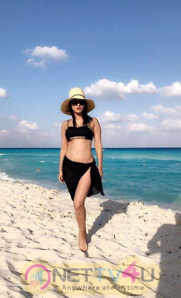 Sunny Leone New Hot And Sexy Pics