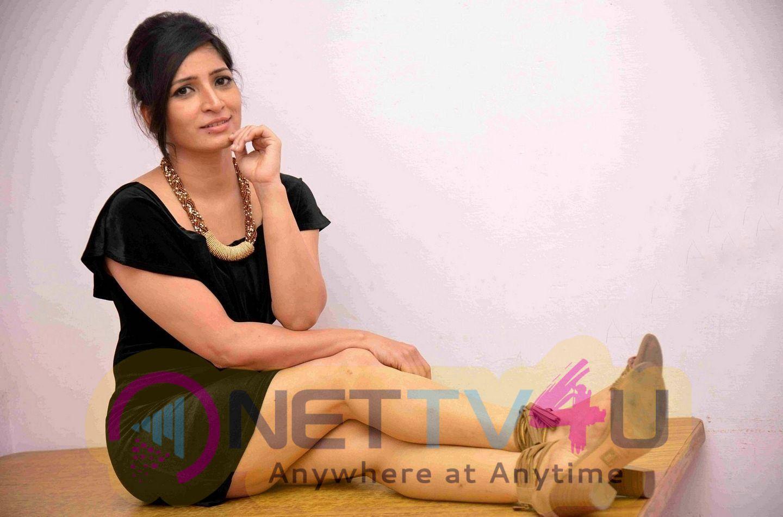 Actress Anitha Bhat Glamorous Photos  Kannada Gallery