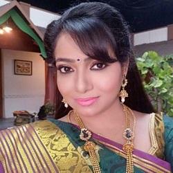 Minnal Deepa Tamil Actress