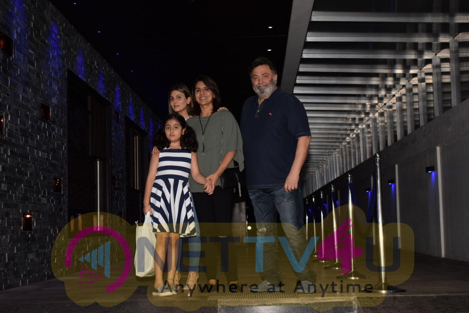 Rishi Kapoor Came To Family In Hakkasan Restaurant Hindi Gallery